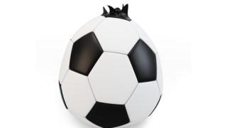 バルブから空気が抜けるサッカーボールは修理をすれば直る!