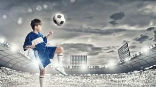 サッカーのポジションで利き足を生かす配置とその理由!