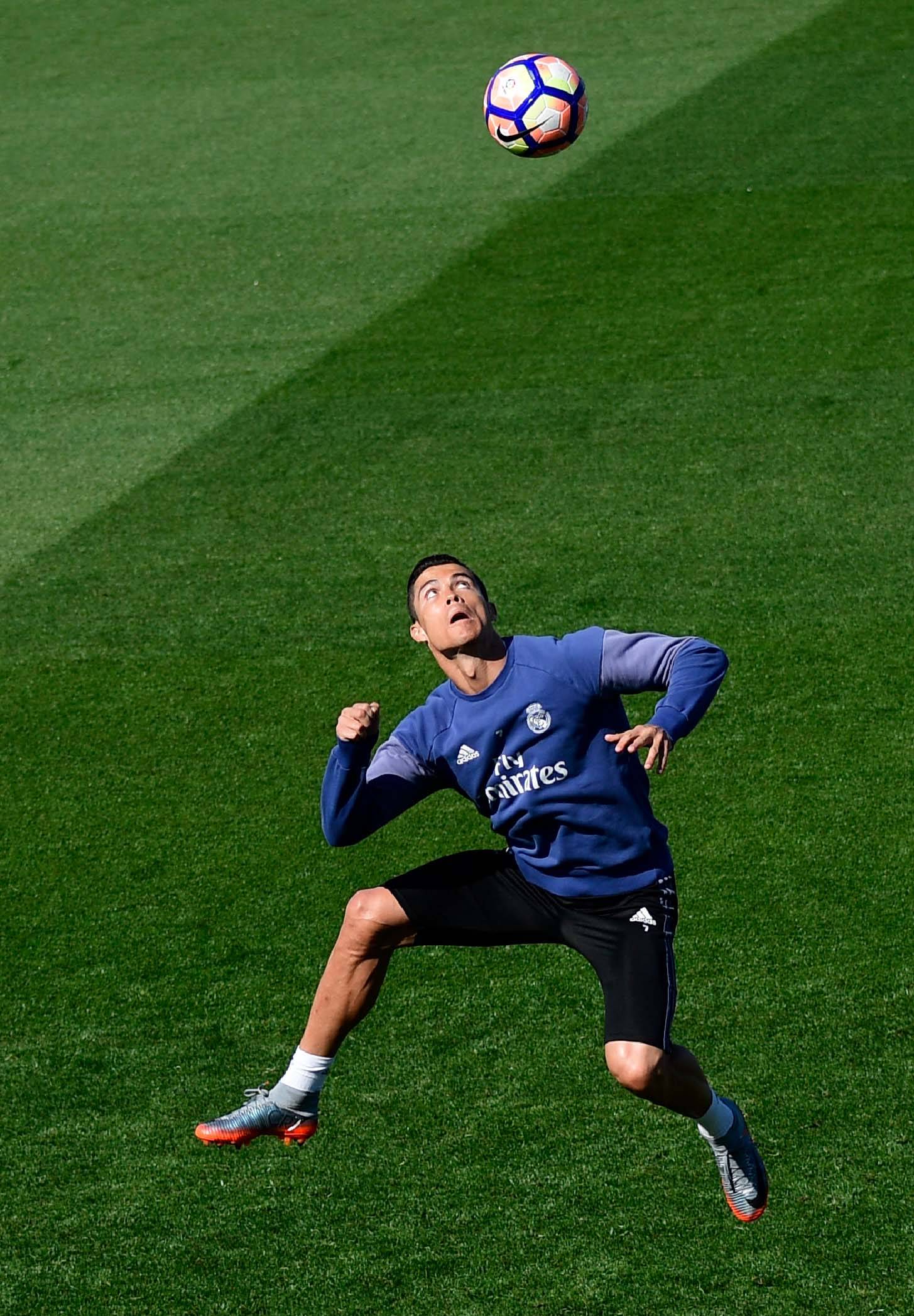 Ronaldo Mercurial : ronaldo, mercurial, Cristiano, Ronaldo, Trains, Signature, Chapter, Mercurial, SoccerBible