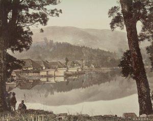 « Hakone – Lac Ashi », Felice Beato, 1877-1878, Fond de la Société de Géographie, Bibliothèque nationale de France, département des Cartes et plans
