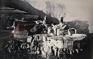 Monastère de Talev après le tremblement de terre.