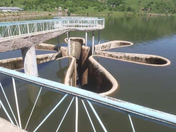Ketchout : prise d'eau à l'amont de la rivière Arpa pour alimenter le lac fermé Sevan