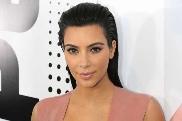 Shocked : Kim Kardashian Playing Tennis in Bikini