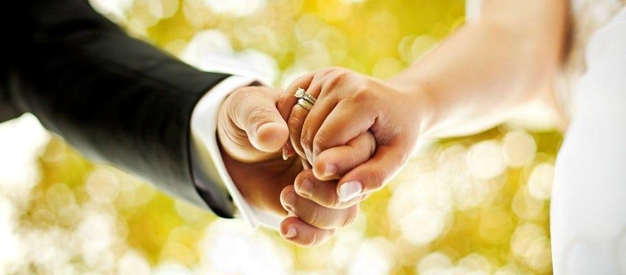 Marrying Wrong Guy - http://socialchumbak.com/post/trending/marrying-wrong-guy/