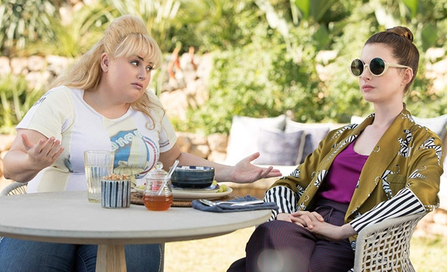 The Hustle Movie Review {3.5}: Anne Hathaway & Rebel Wilson Creating a Laugh Riot