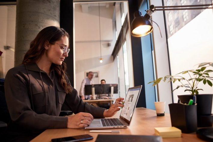 Da bi naučio više o ovim izazovima, Microsoft je sproveo veliki međunarodni istraživački projekat usredsređen na AI i veštine potrebne u savremenom poslovanju.