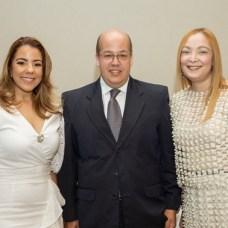Gina Taveras, Wilfredo Almánzar y Johanna García.