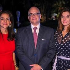 Elima González de Grullón, José Ariza y Katherine Mieses de Ariza