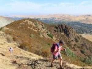 Sandy-and-Mary-on-steep-eagle-peak-trail