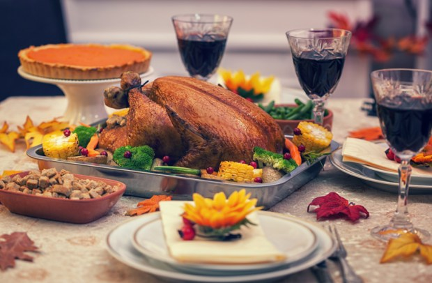 thanksgiving-hosting-ideas