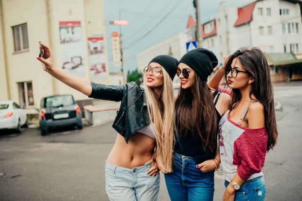 selfie-photo-boom-social-magazine