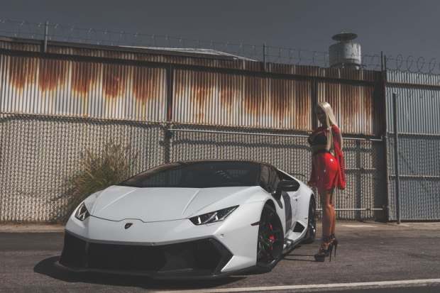 los angeles-model-Ana Montana-lamborghini