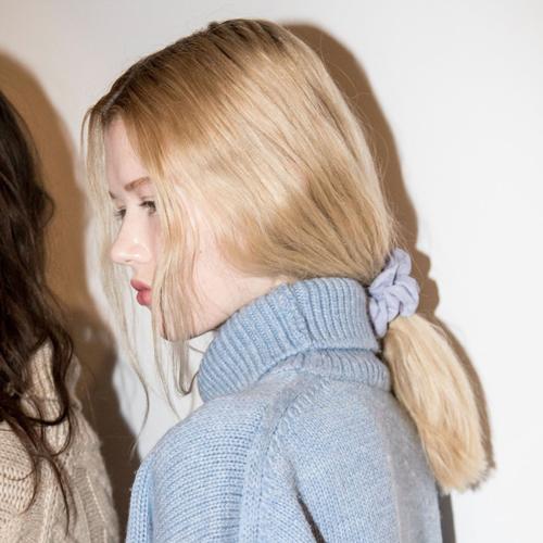 Hair-Trends-Spring-2018-Scrunchies