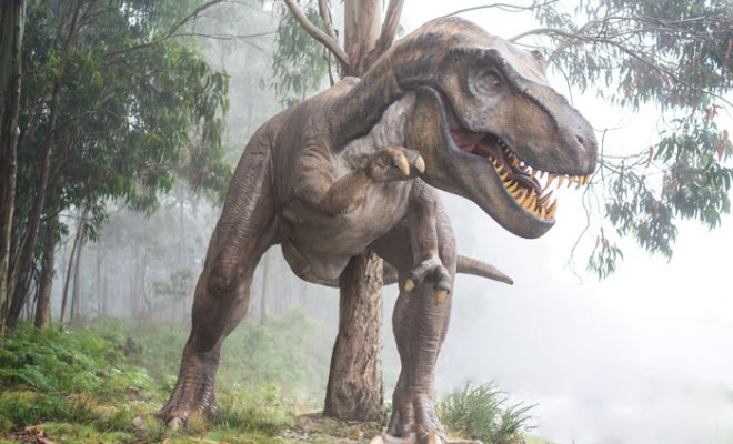 animatronic dinosaurs as props in movies