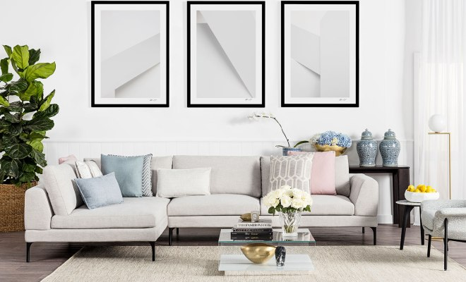 A Luxurious Living Room 10 Outstanding Decor Essentials