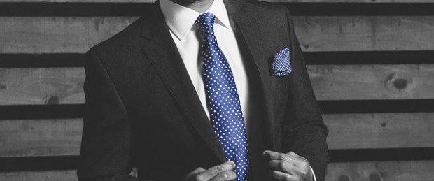 businessman-4785283_640