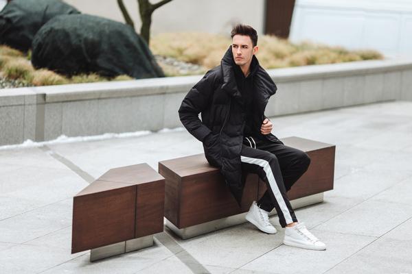 man-white-sneakers