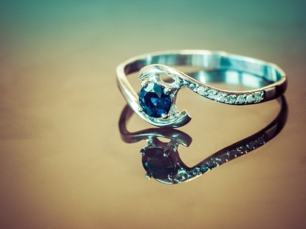 ring-2361513_640