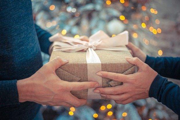 gift-4669449_640