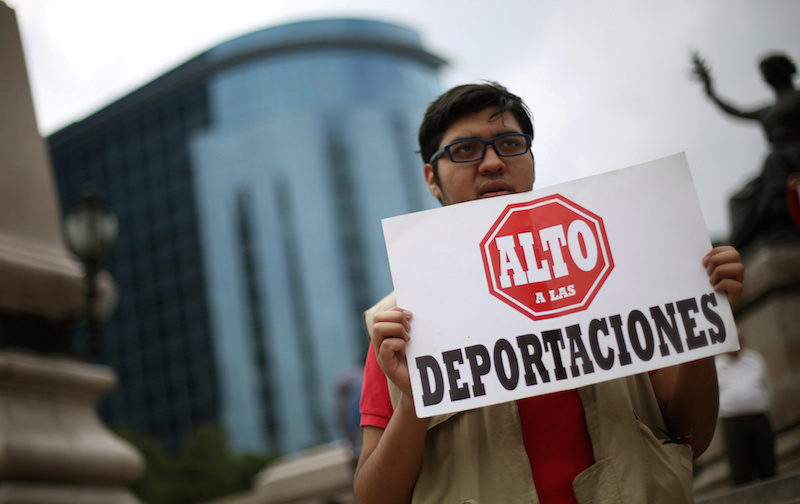 donald-trump-immigration-deportations-protest-mexico