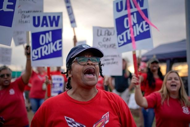 Oct. 2019 GM strike (Bryan Woolston:Reuters)