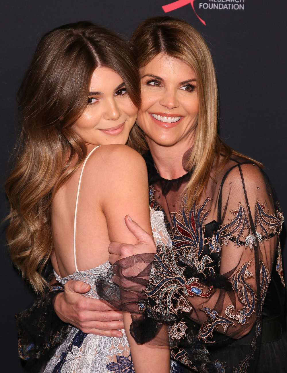 Olivia Jade (L) and Lori Loughlin ENTERTAINMENT-US-FUNDRAISER-RESEARCH-HEALTH-WOMEN