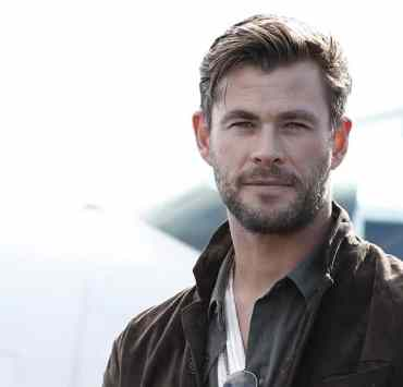 Chris Hemsworth Brings His Rugged Handsomeness to TAG Heuer Autavia Collection Launch 1
