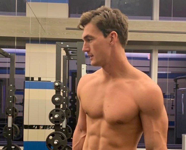 Tyler Cameron Shirtless at the Gym - Insta Snaps
