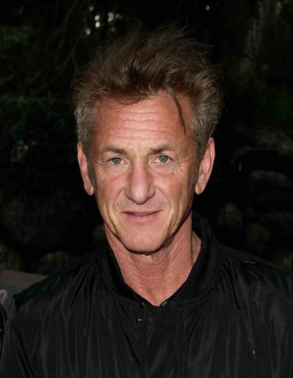 "Sean Penn The Greater Los Angeles Zoo Association Hosts ""Meet Me In Australia"" To Benefit Australia Wildfire Relief Efforts - Inside"