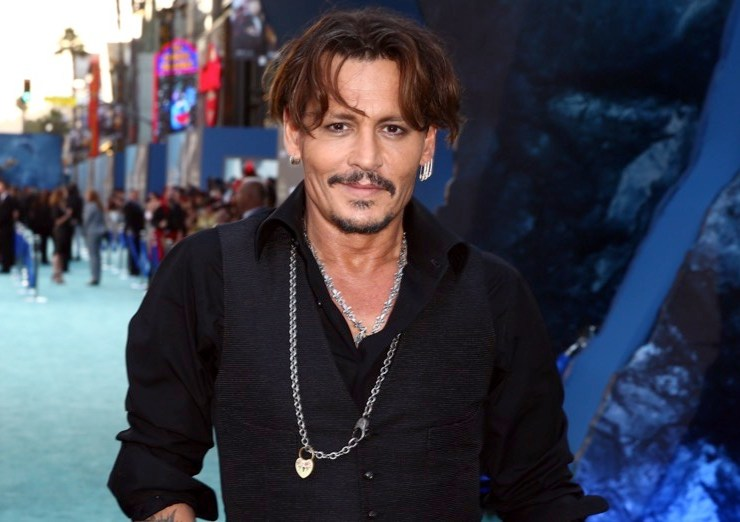 """Johnny Depp Premiere Of Disney's """"Pirates Of The Caribbean: Dead Men Tell No Tales"""" - Red Carpet"""