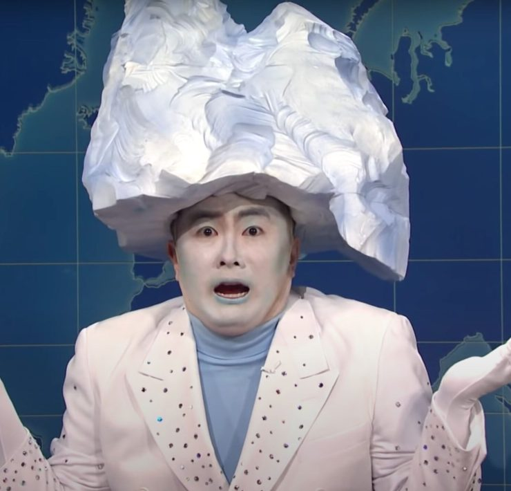 Bowen Yang played the iceberg that sank the Titanic on SNL to perfection