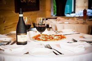 Sotto Sopra - Picante Pizza with Wine high res 2