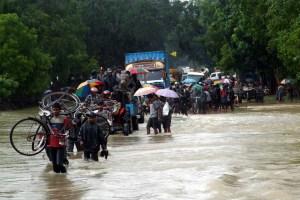 Sri Lanka flood relief 2017