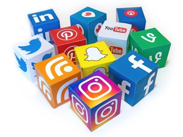 Displays different social media platforms