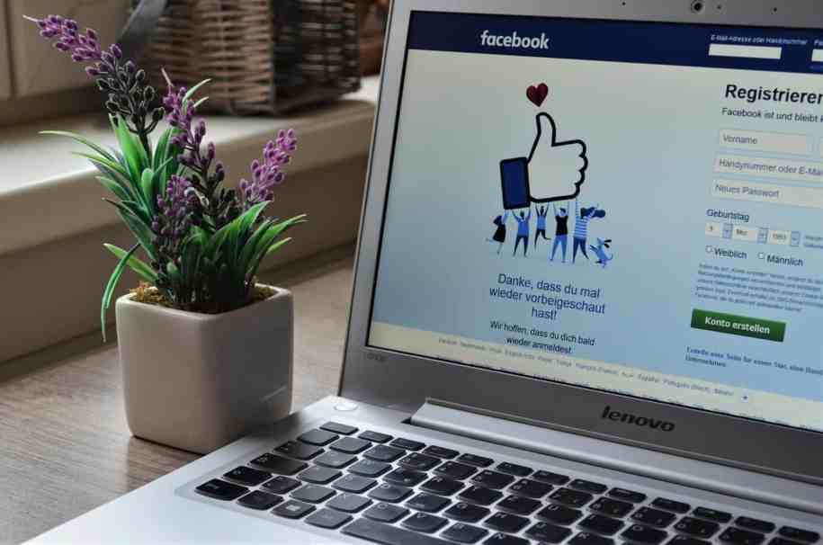 change Facebook name using laptop