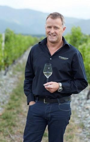 Jamie Marfell in Stoneleigh Vineyard_Portrait