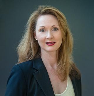 Meg Houston Maker Wine Influencer Headshot 2