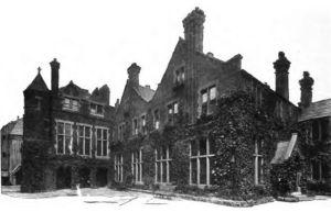 Toynbee Hall circa 1902