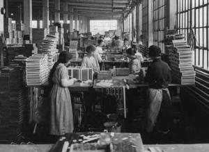 Women working in a box factory, 1910, Library of Congress