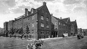 University of Chicago Settlement House. A large brick building