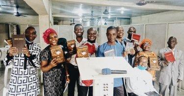 distribución biblia nigeria