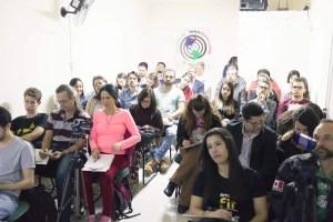 Doação de Alimentos palestra beneficente Crenças sobre Dinheiro com Valdecy Carneiro