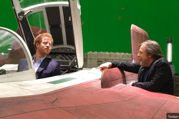 """Família Real visita o set de """"Star Wars: Episódio VIII"""""""