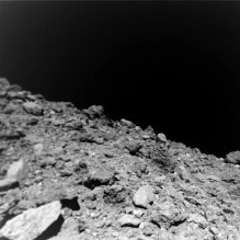 Surface-of-Asteroid-Ryugu-2