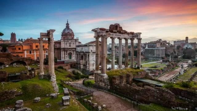 Historiadores acreditam que corpo de Rômulo, o rei criado por lobo pode ter sido enterrado no Fórum de Roma.