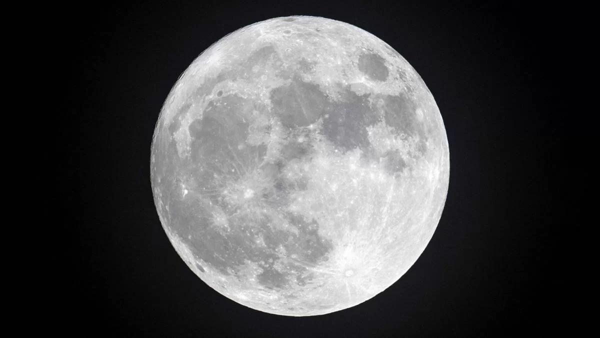 Uma nova análise de amostras do solo lunar mostrou que os restos do extinto planeta Theia podem estar ocultos sob a superfície do satélite.
