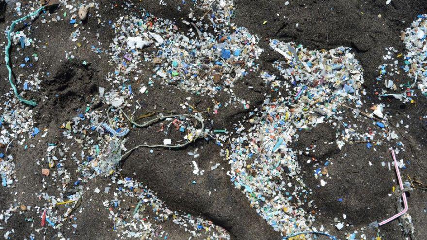 o que são microplásticos