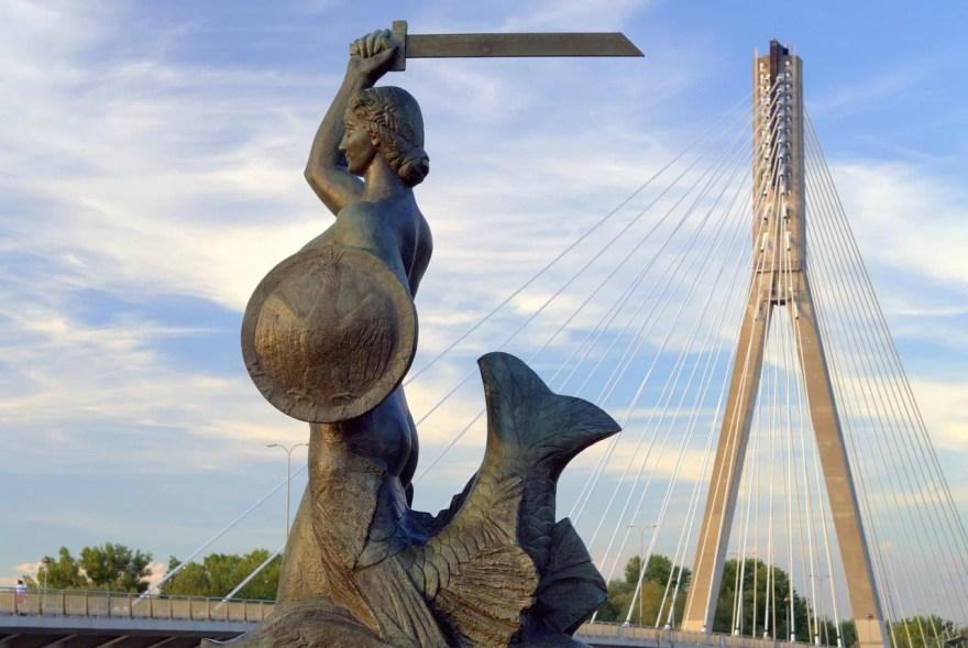 Sereia protetora de Varsóvia.