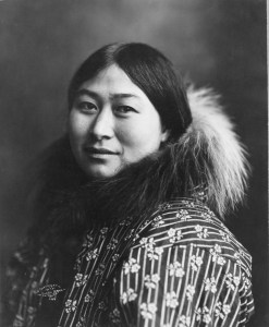 Inuit Woman, 1907. By Lomen Bros., Nome [Public domain], via Wikimedia Commons