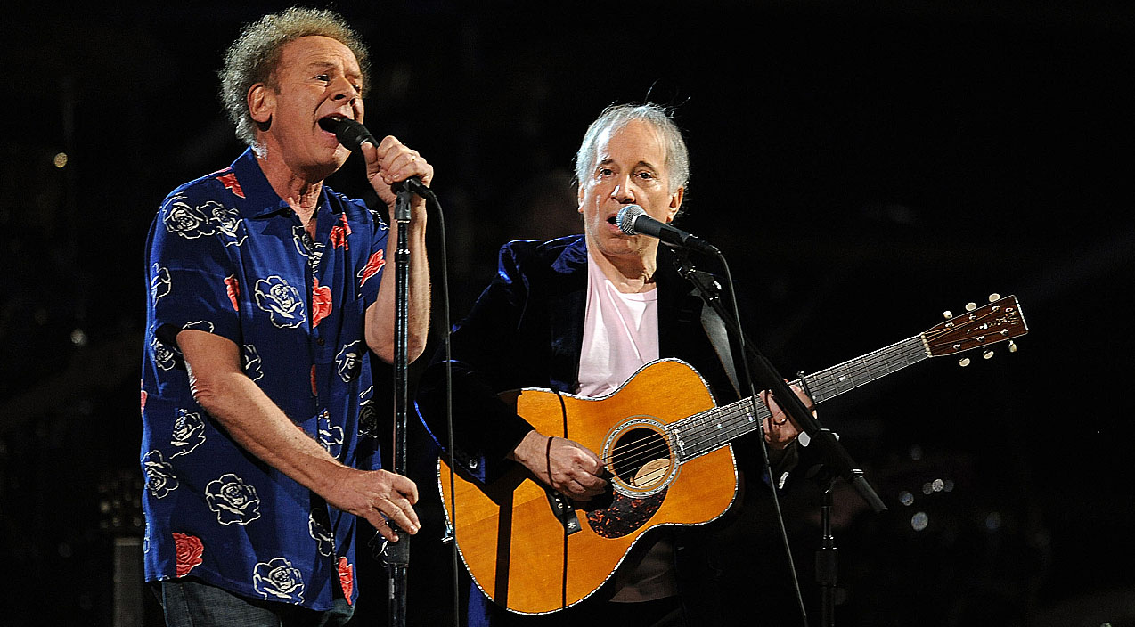 Even 53 Years Later Simon Amp Garfunkel Perform Sound Of
